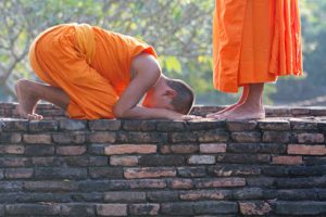 young-buddhist-monks_priest_web